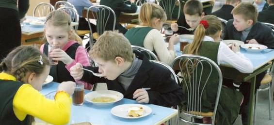 Про харчування школярів Миколаївщини і підручники для 4 та 7 класів